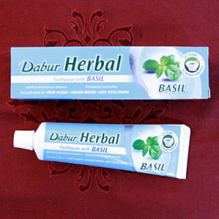 Dabur Herbal Basil Toothpaste, 100 ml (155 g)