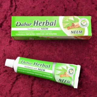 Dabur Herbal Neem Toothpaste, 100 ml (155 g)