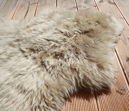 peau de mouton poils longs merino env 90 100 cm. Black Bedroom Furniture Sets. Home Design Ideas